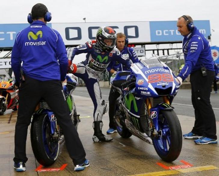 Yamaha Bakal Pecat Lorenzo Akibat Menyerang Rossi