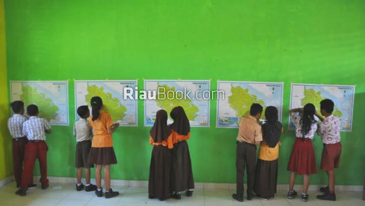 Dukung Program Pemerintah, Lima Sekolah Dasar di Kuansing Kampanyekan Budaya Membaca