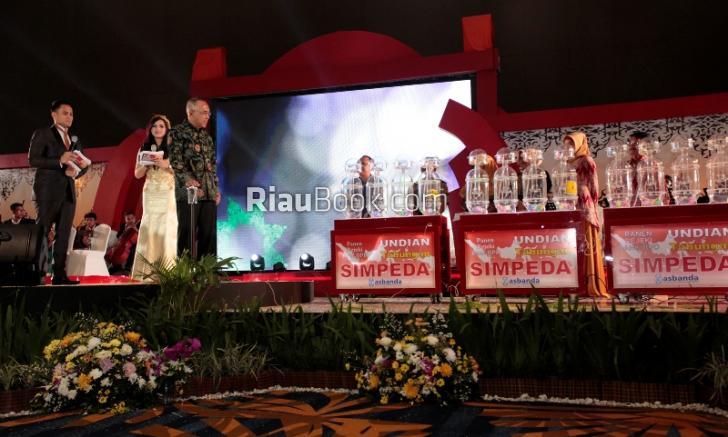 Penarikan Undian Tabungan Simpeda BPD SI, Kado Istimewa di Hari Jadi Bank Riau Kepri