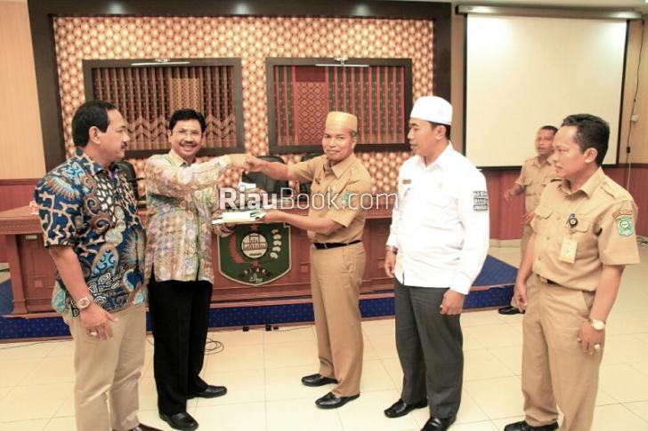 Lakukan Kunjungan Kerja, DPRD Ngawi Kenali Perda Perpustakaan Arsip Siak Melalui IT