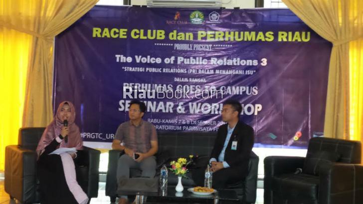 Seminar Perhumas Riau Dihadiri Ratusan Mahasiswa UNRI