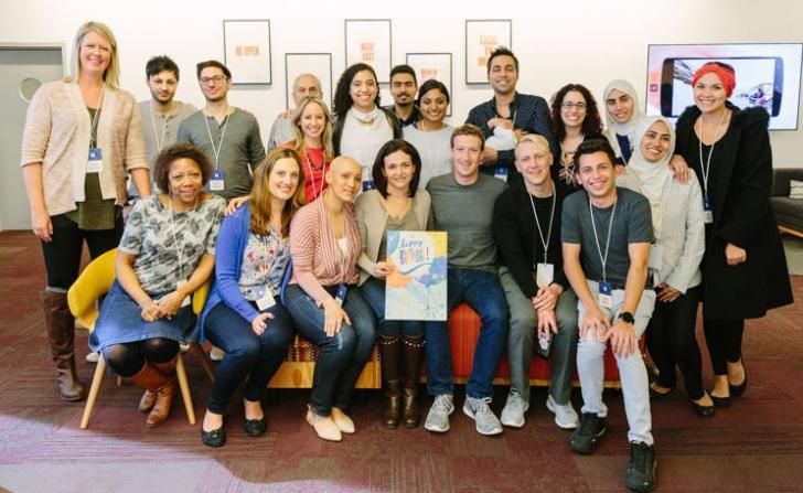 Setelah 12 tahun DO, Mark Zuckerberg Mendapat Penghargaan dari Havard