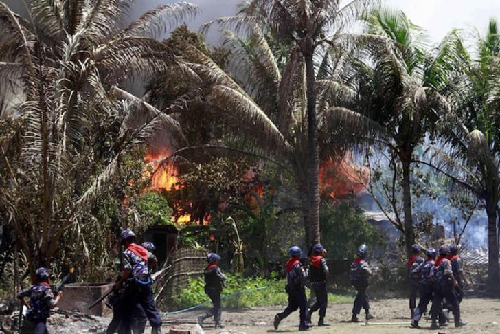 Muslim Rohingya: Tentara Myanmar Membunuh Kami tanpa Ampun, Wanita-wanitanya Diperkosa