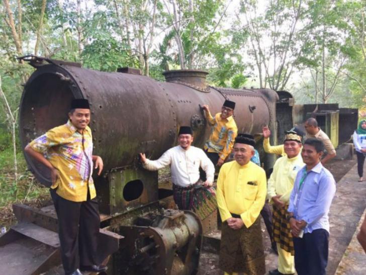Gerbong Kereta Api di Lipat Kain akan Dipindahkan | Riaubook com