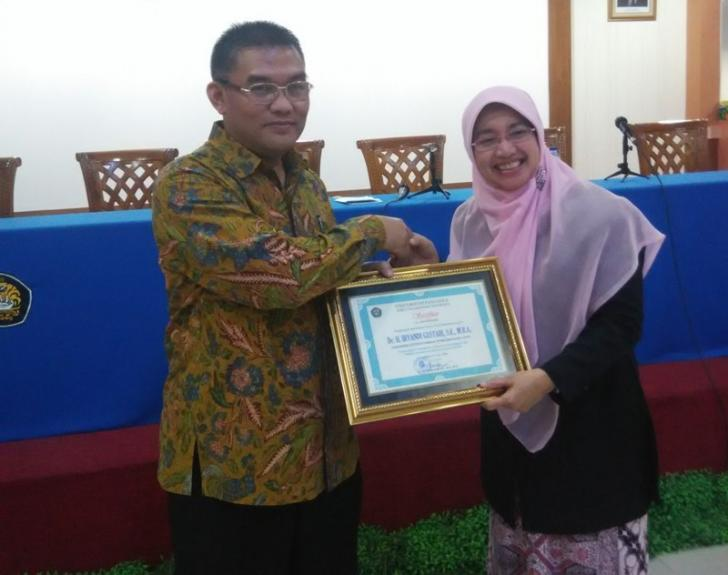 Bagi Wartawan Dirut Bank Riau Kepri Irvandi Gustari Adalah 'Kamus Berjalan'