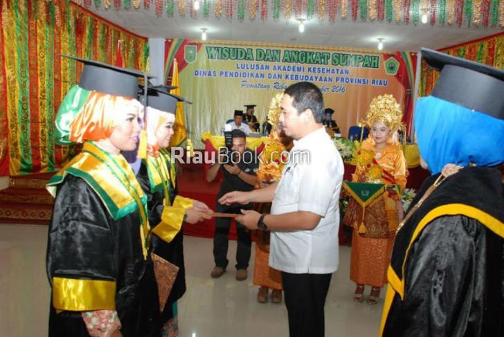 Akademi Kesehatan Inhu Wisuda 32 Ahli Madya Keperawatan