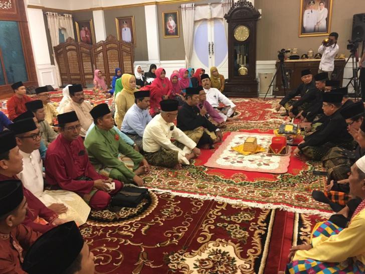 LAM Riau Merisik di Kediaman Gubernur Riau
