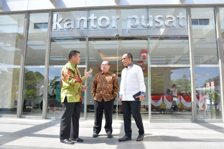 Dirut BPJS Ketenagakerjaan Kunjungi Bank Riau Kepri