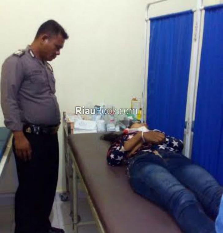 Seorang Siswi Batang Cenaku Tewas di Jalan Raya