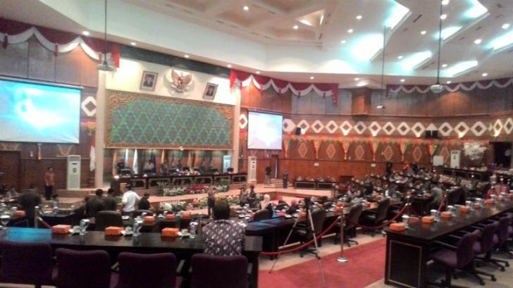 LKPj Gubri 2016 Mulai Dibahas, Minim Anggota Dewan Paripurna Diskor