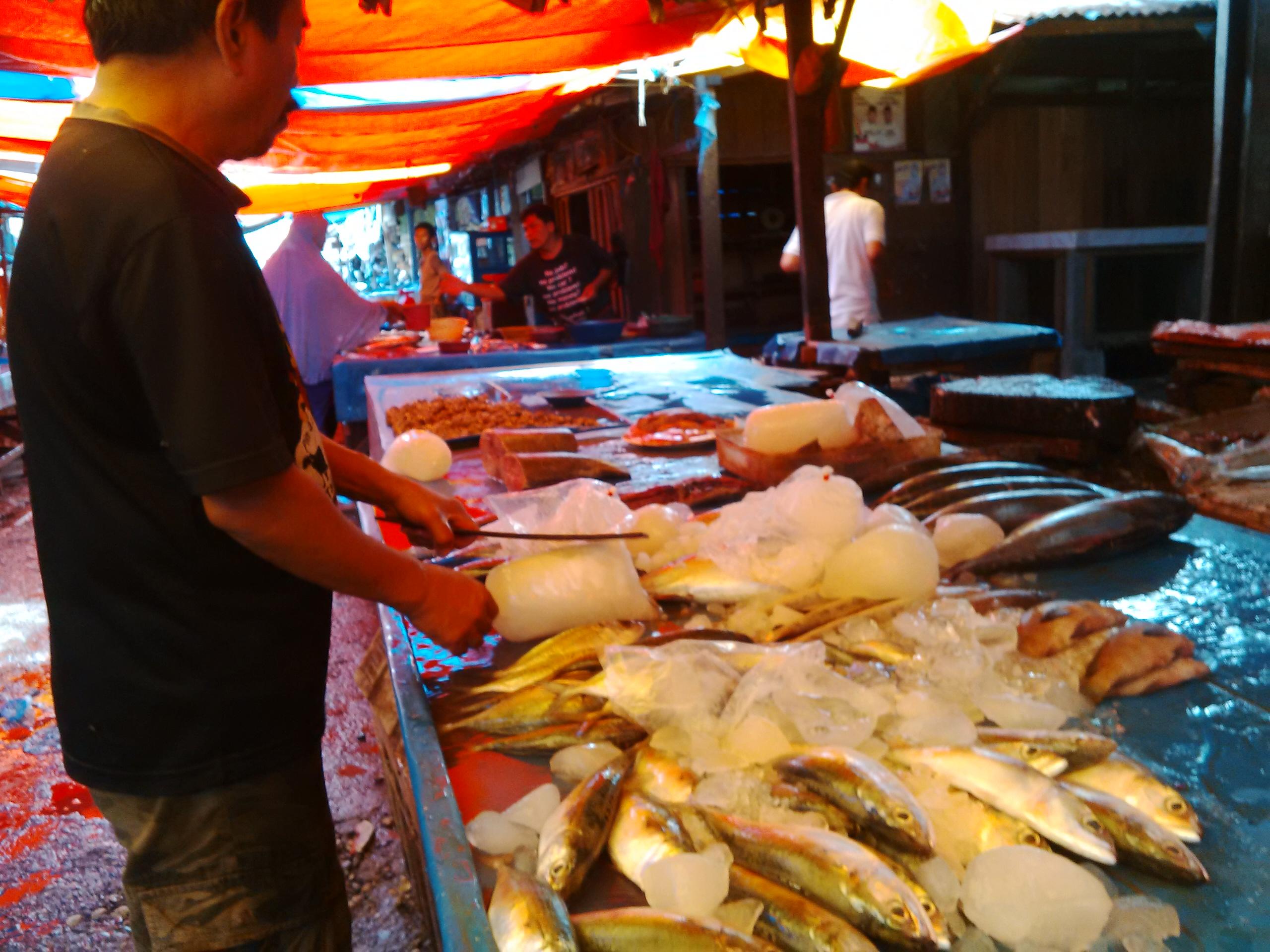Dua Minggu Pedagang Ikan di Dumai Tidak Mendapat Pasokan dari Sibolga