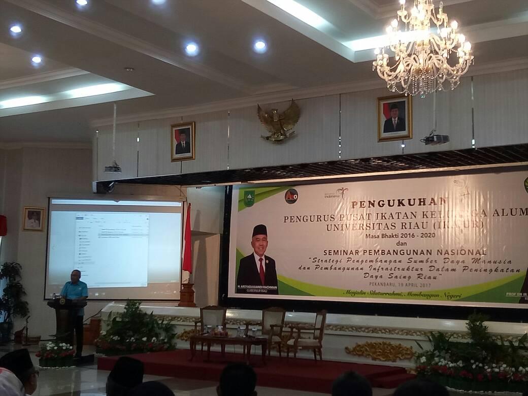 Gubri Hadiri Seminar Nasional yang Ditaja oleh IKA UR