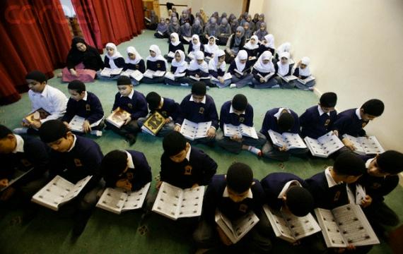 Mau Beasiswa Tahfizh Al-Quran? Cek Infonya Disini