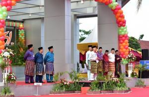 Pesan Gubernur Riau untuk Bank Riau Kepri dan SDM di Dalamnya