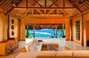 Hotel Terbaik di Dunia ada di Indonesia, Harga Kamarnya Rp250 Juta, Bisa Berselancar