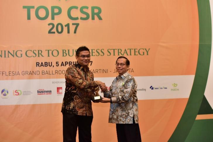 BRK Satu-satunya BPD Penerima Anugerah TOP CSR 2017, Irvandi: Kita Sinergikan