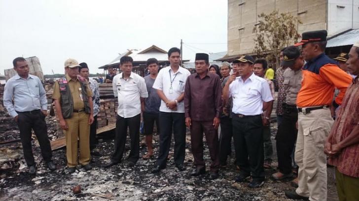 Korban Kebakaran Pasar Pulau Muda Terima Bantuan Sembako