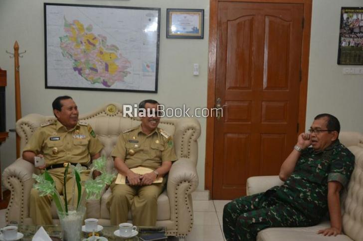 Bupati Syamsuar dan Danrem 031 Wira Bima Matangkan Persiapan Penyambutan Panglima TNI