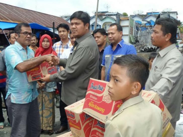 Dewan Tinjau Kebakaran Pasar Lubuk Jambi, Pedagang: Bantu Kami Pak
