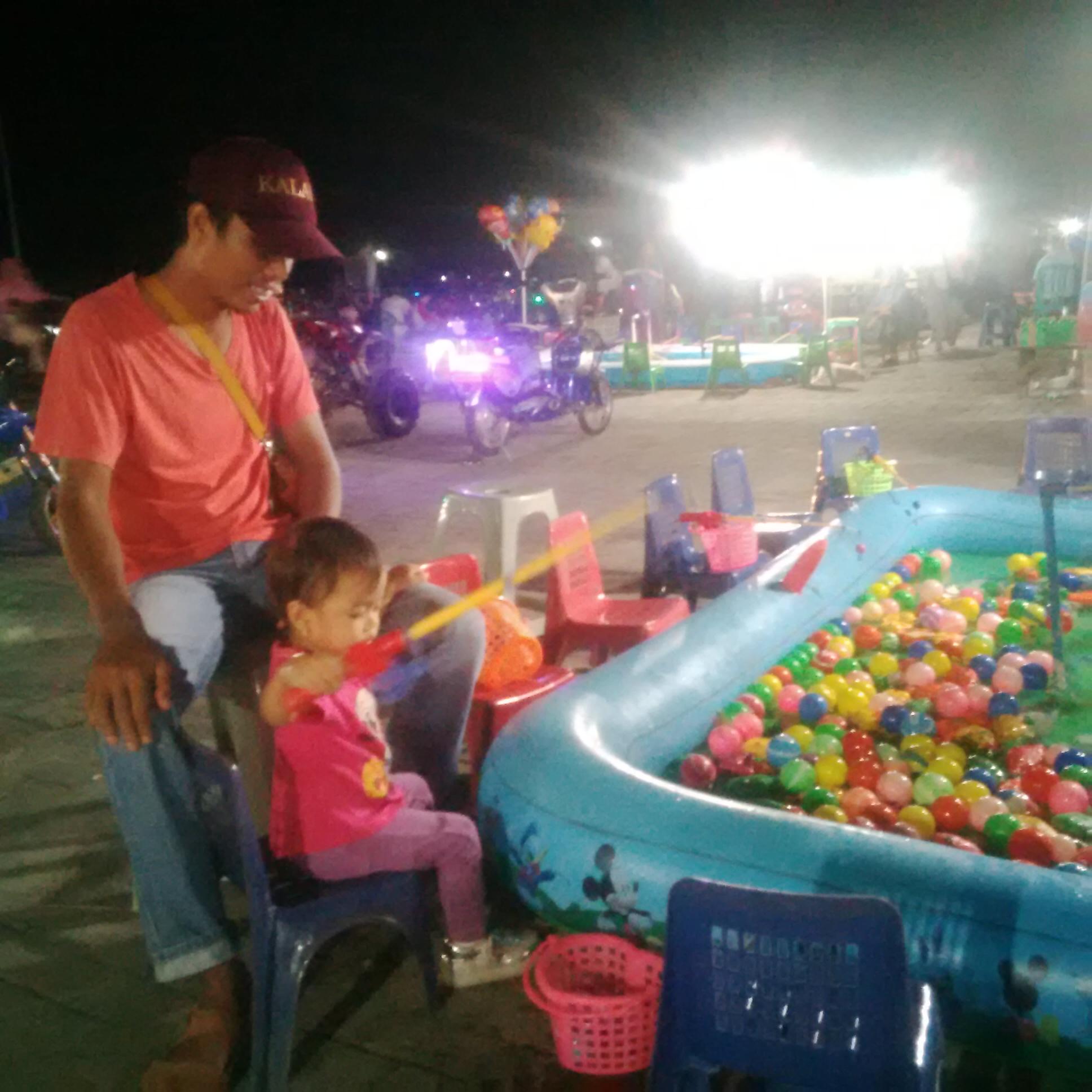 Menikmati Malam Minggu Bersama Keluarga di Taman Bukit Gelanggang Dumai